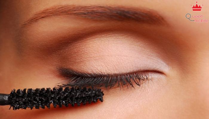 Son sáp sẽ giúp bám da bền hơn và không trôi