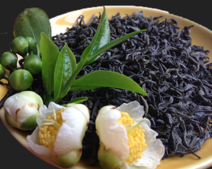 Khử mùi tanh của mực bằng lá trà