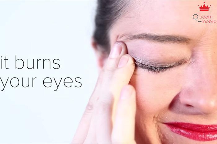 Nó làm đau mắt bạn