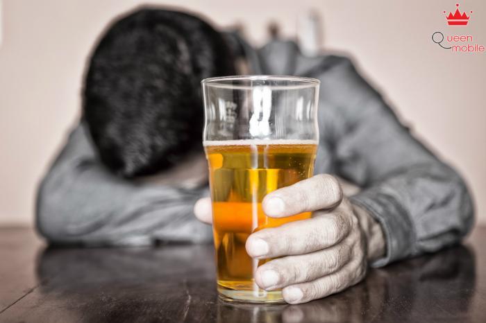 Nước nóng giúp giải rượu, bia nhanh chóng