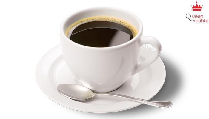 Ly cà phê đậm đà đã sẵn sàng cho bạn thưởng thức