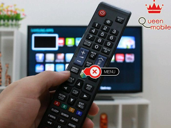 Chọn nút Menu trên remote