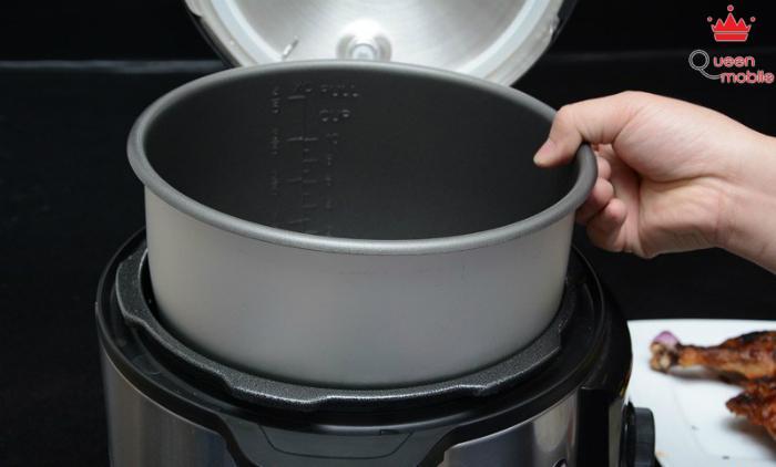 Sau mỗi lần nấu xong nên đem nồi đi cọ rửa