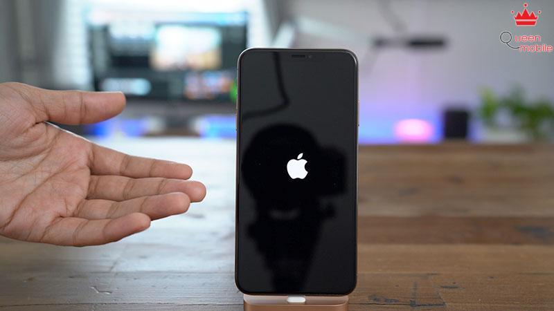 Buoc-khoi-dong-lai-iPhone-XS